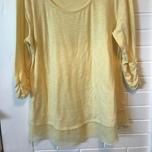 3/4 Sleeve Ruched Flowy Tunic!